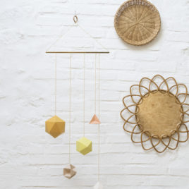 Millimétrée - mobile Aéline - polyèdre - origami - paper - moutarde -laiton