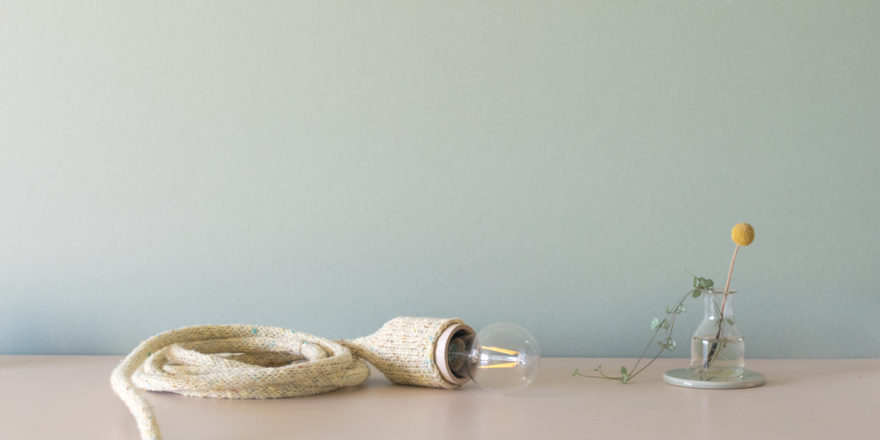 lampe baladeuse tricot fait main douille bois creation millimetree